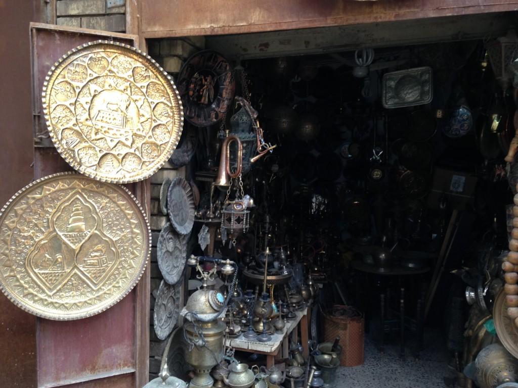 Лавка с сувенирами. Рынок Шорджа